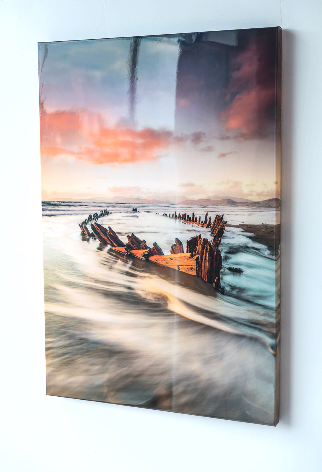 Epoxy Painting Canvas : Covering a canvas with varnish and gel — holst art